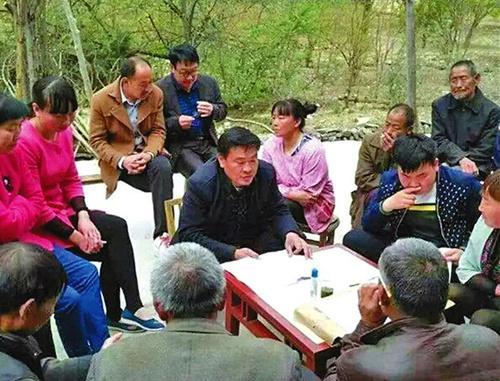 """商洛市委追授李长庆""""优秀共产党员""""称号"""