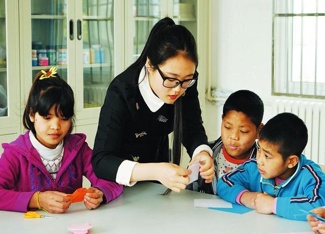 五名缅甸儿童在汉中进行残忍表演 现已获救