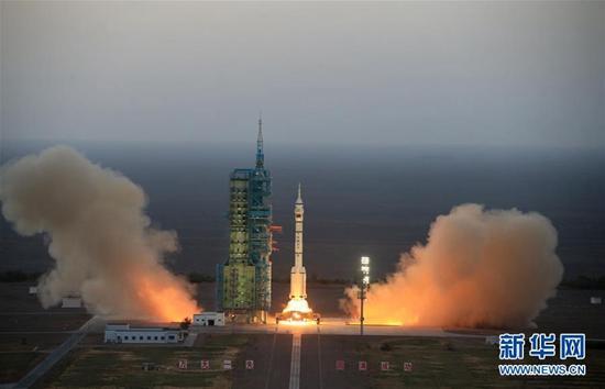 """""""神舟十一号""""成功发射 在陕企业提供完美保障"""