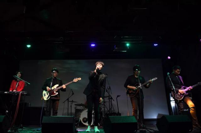"""这只""""学霸""""乐队 开启2018大西安第一场演唱会"""