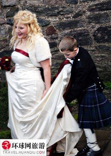 苏格兰美女爱穿裙子不穿男人打架健身房内裤图片