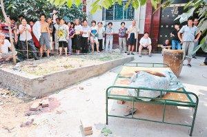 村民家门口熟睡中被砍断右脚趾 与拆迁有关