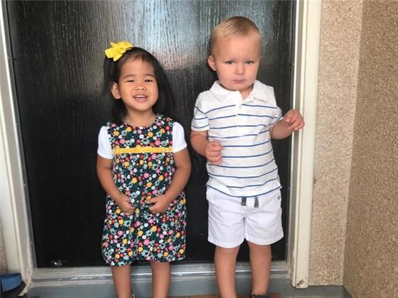美国父母来榆为3岁养女寻亲生父母