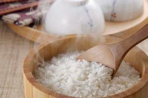 蒸米饭常犯3个错,学会一招让米饭更好吃