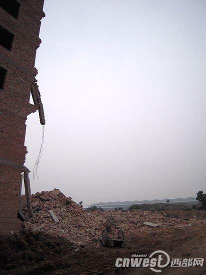 西安民房加盖过程中坍塌7人遇难 房主已被控制