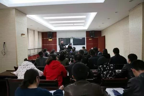 吴堡县人社局到县公安局考核39名公益性岗位人员