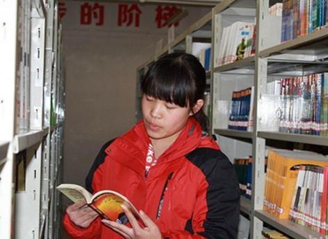 """铜川市鲁菁晶等4人获""""最美中学生""""称号"""
