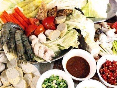 此外,还有北京的白肉火锅,上海的什锦火锅,杭州的三鲜火锅,湖
