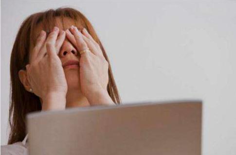 邹市明眼睛怎么了 眼科医生:这样可能突然失明