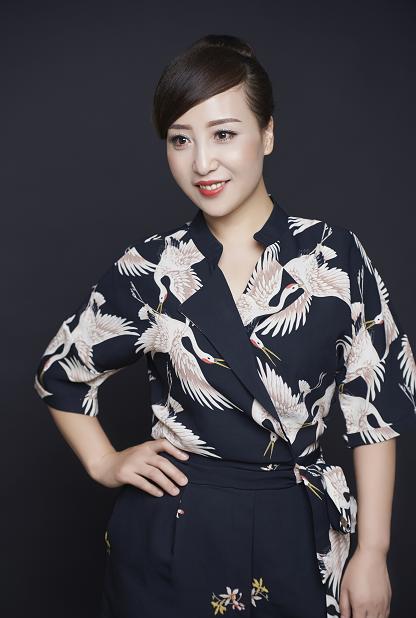 陕西歌手张静自掏10万元录制新歌《千年丝路》