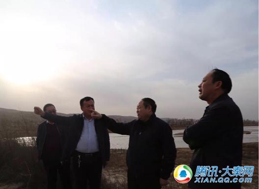 横山区委书记王效力到村入户督导脱贫攻坚工作