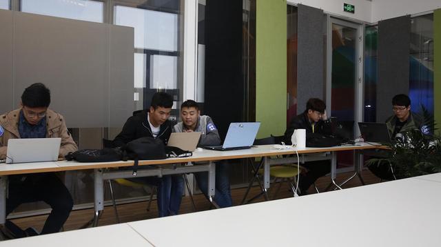 西安百度创业中心 人脸识别黑客马拉松大赛隆重举行