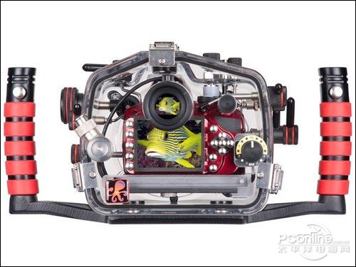 世界首款三防潜水单电相机 尼康AW1评测