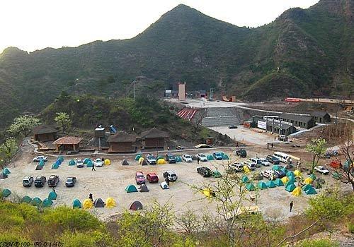 位于蓟县风光旅游景区的黄金段,北面1.