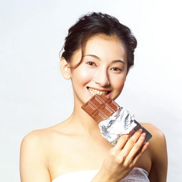巧克力有7大好处防疾病 5类人群不宜吃巧克力