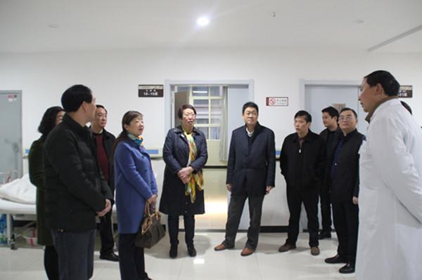 市中医院前往镇安县中医医院开展精准扶贫工作