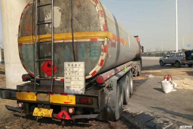 运输油罐内部结构图