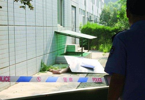 西安交大学生校园内坠楼亡 警方初步排除他杀