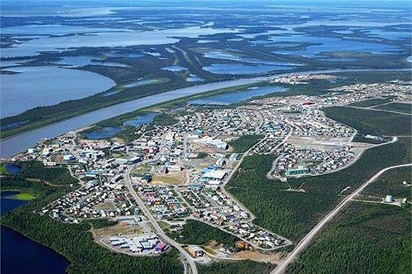 加拿大建跨北极圈公路 一路开到北冰洋