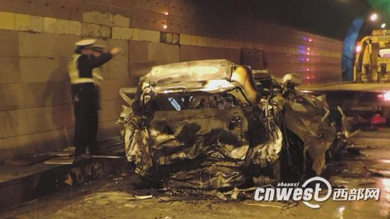 西汉高速发生三车追尾事故 一辆车烧毁一人身亡