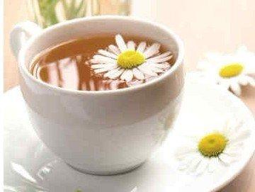喝菊花茶放冰糖好_【喝菊花茶不都适宜加糖】菊花茶加冰糖是可以