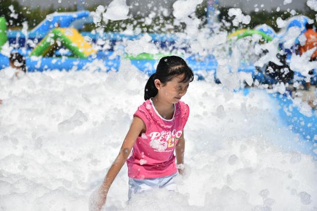 浐灞国家湿地公园玩大了!水上大冲关嗨到飞起