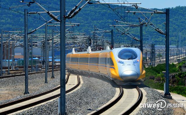 宝兰高铁9日全线开通运营 兰州西至西安北174.5元图片