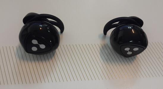 運動伴侶!真無線藍牙運動耳機賽爾貝爾D900入手簡評