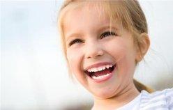 想让孩子有副漂亮的牙齿,妈妈应该怎么做?