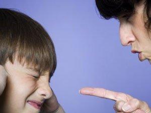 """7个方法毁掉你的孩子 家长别""""毁人""""不倦"""