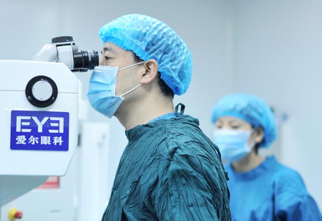 摘镜成迎春新潮流!近视手术扎堆眼科医院