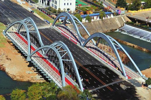 丹江构峪大桥昨通车 大桥长127.4米双向八车道