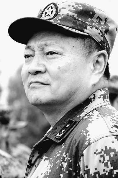 新任四总部首长两个是老陕 房峰辉任总参谋长
