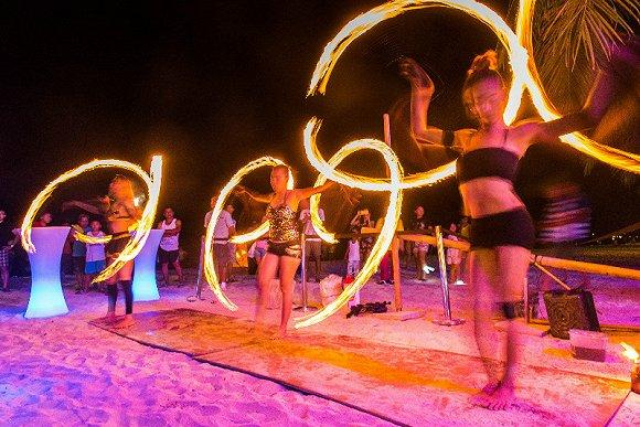 夏日炎炎一起去长滩岛下海 那里有世界上最美的海滩