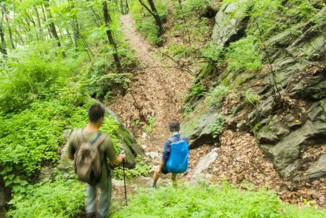 美出天际!西安周边竟有条挂在天边的高山瀑布 空谷仙境 鲜有人知