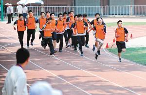 明年起篮球、排球、足球、游泳将纳入陕西中考项目