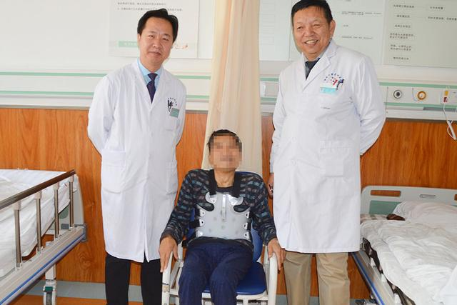 仲德骨科成功为患者施行后路多节段截骨矫形内固定术