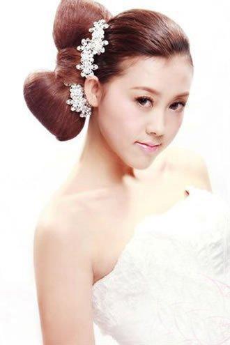 2011新娘造型唯美妆面图片