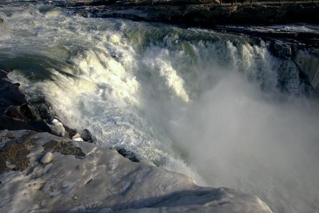 陕西、山西两地看壶口瀑布有什么区别?