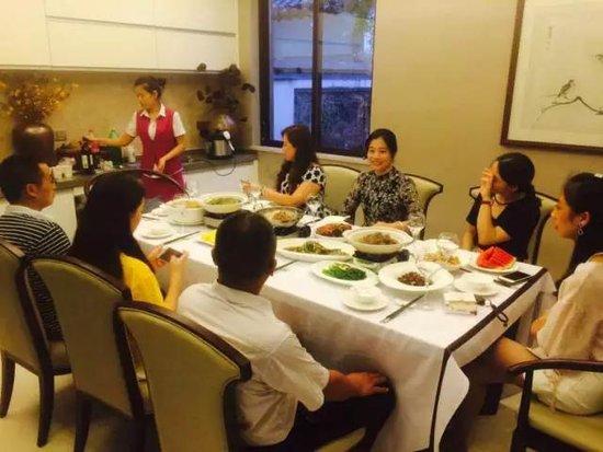 江南城| 八月家宴,触碰心底最柔软的时光