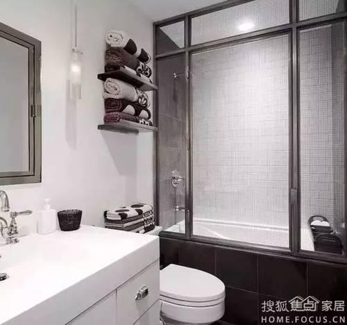 怎样在小小的卫生间里塞下洗手盆,马桶跟淋浴区?