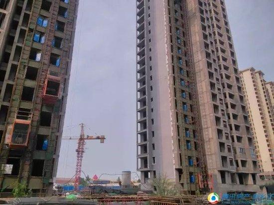 【工程播报】润田·金域蓝湾一期外立面施工,二期基础施工