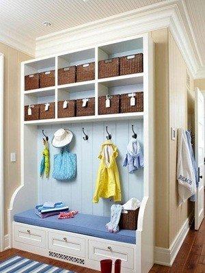 玄关面积大利用 衣服杂物一一规整收纳