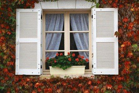 窗户设计风水有讲究 路冲使子女读书不利