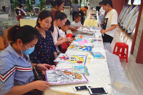 教师节DIY:幅幅油画传真情,张张贺卡谢师恩