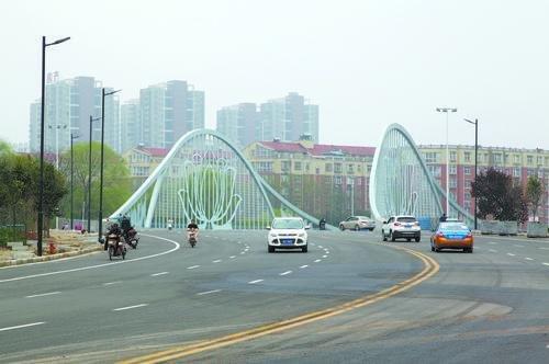 许都路全线贯通,工程全长276米、双向8车道