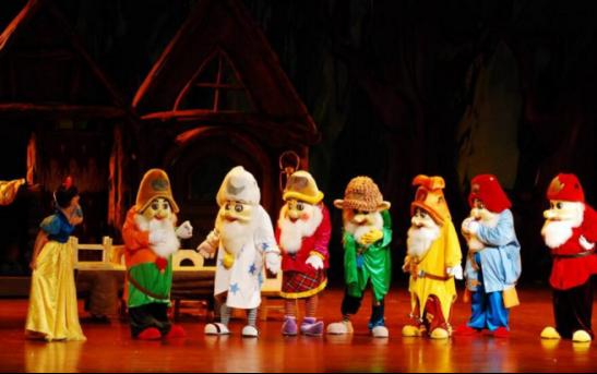拉斯维加斯·圣诞烟火晚会,12月23日枫林天下·康城带你感受纯正西方圣诞节!