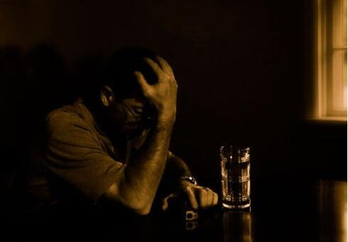 抑郁症患者常郁郁寡欢