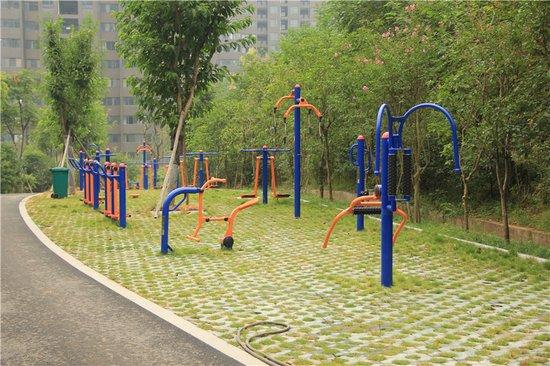 小Q看房:三公园环绕 享宜化·巴黎香颂奢适生活