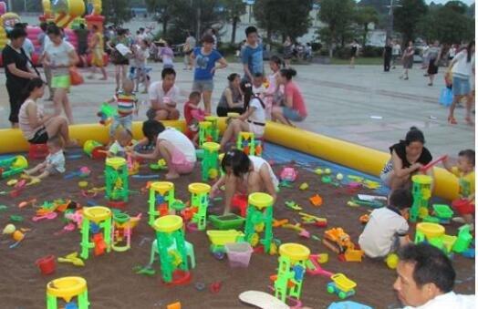 铂金汉宫:孩子最好的礼物 给他一个优越的成长环境